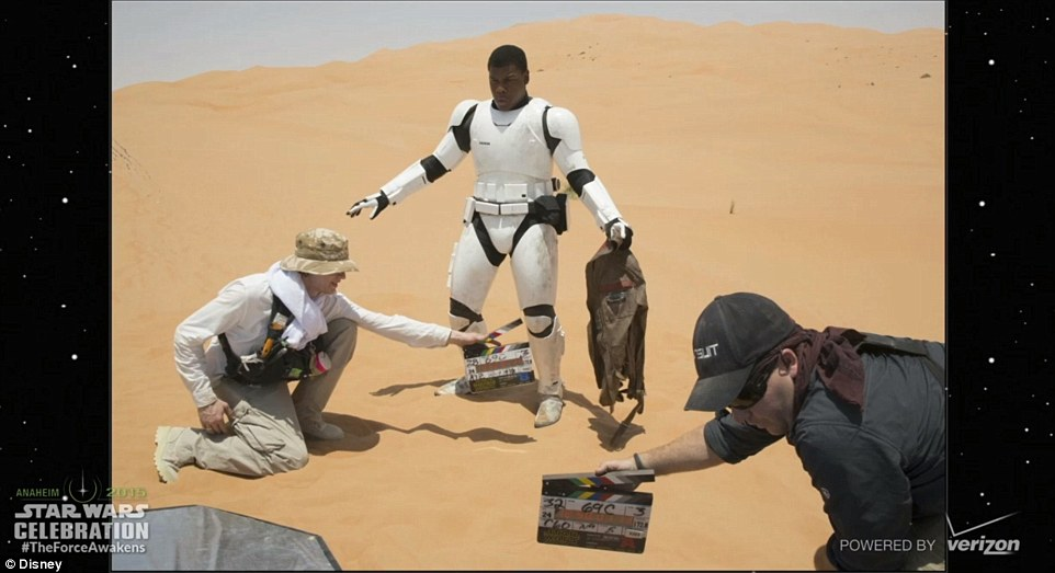 27A424C500000578-3042280-Ready_for_action_John_Boyega_is_seen_on_his_mark_waiting_for_Abr-m-134_1429218337389